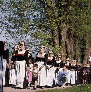 Prozession der Schalkfrauen in Lenggries - Klick mich zum vergrössern