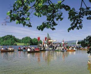 Prozession am Staffelsee - Klick mich zum vergrössern